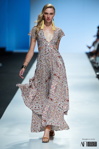 JOANNA HEADLEY mercedes benz fashion week cape town 2017 (13)
