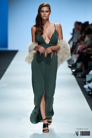 JOANNA HEADLEY mercedes benz fashion week cape town 2017 (15)
