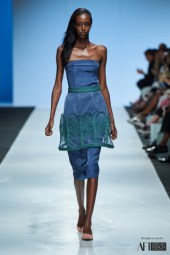 Lara Klawikowski mercedes benz fashion week cape town 2017 (2)