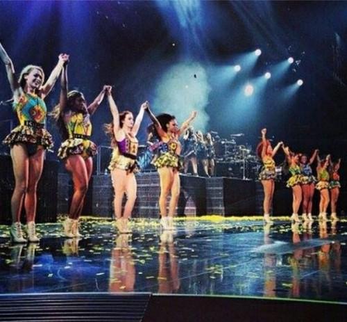 Beyonce-Mrs-Carter-Tour-in-Christie-Brown-BellaNaija-April-2014001-600x556