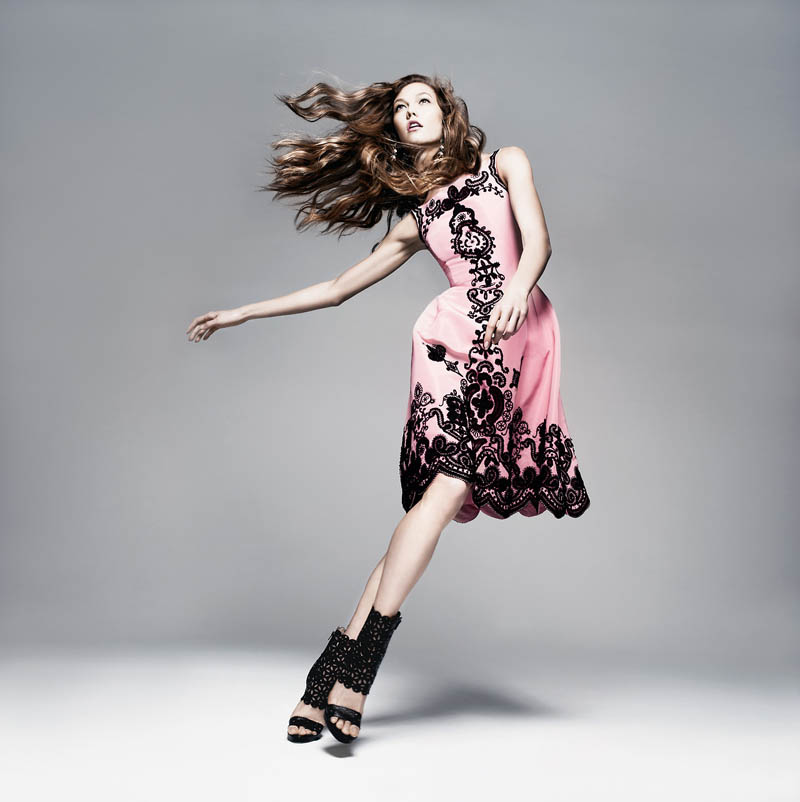 How to Pose Like a High Fashion Model  Photos Jumping  Jumping  Taking a leap on the page provides some action to a basic