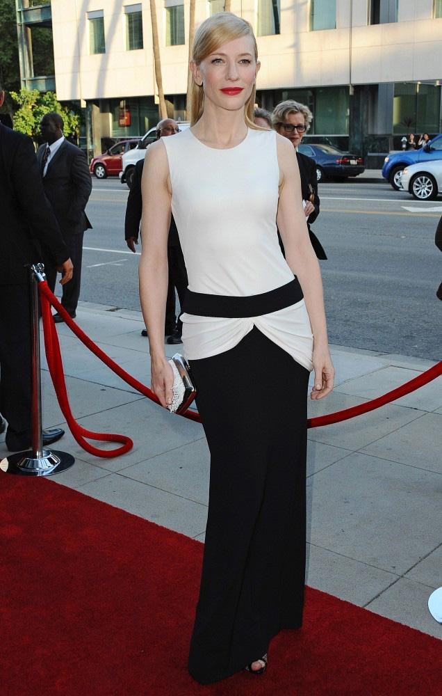cate blanchett mcqueen3 Cate Blanchett Wears Alexander McQueen to the Blue Jasmine Premiere