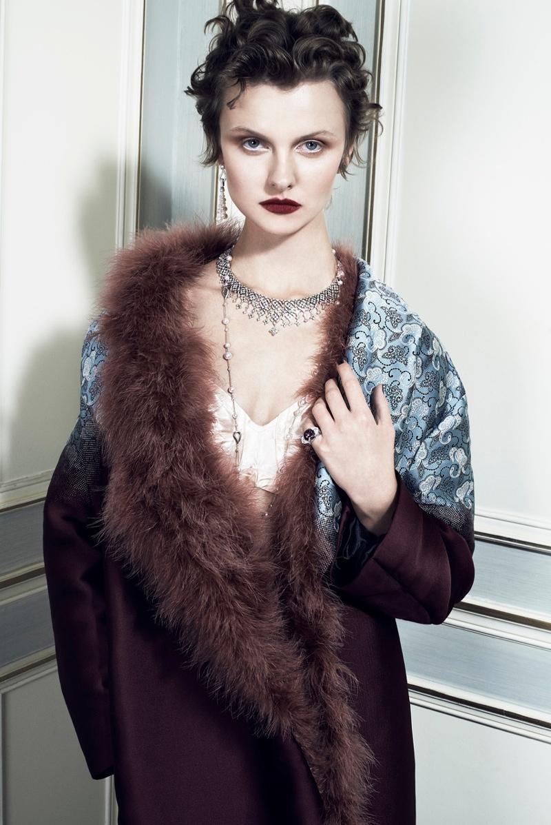 Kamila Filipcikova7 Kamila Filipcikova Models High Jewelry for Alexx and Anton in Gala