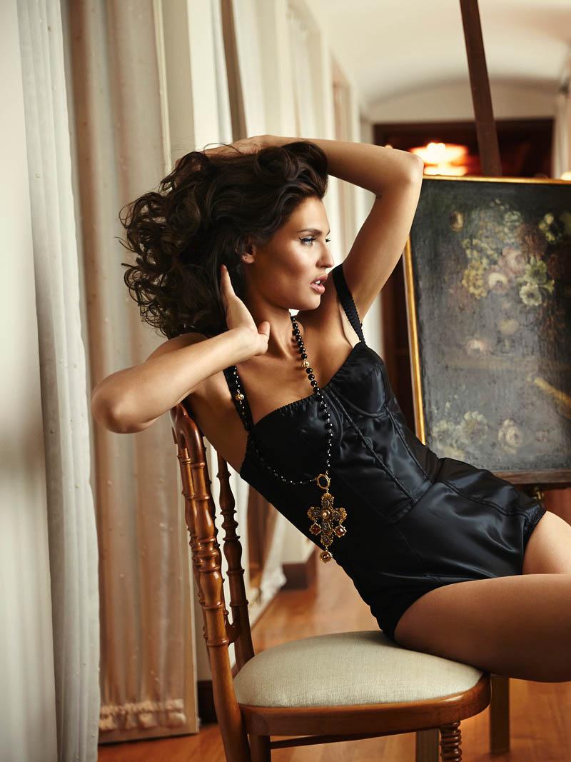 Bianca Balti Stuns In Dolce Amp Gabbana For Esquire Mexico