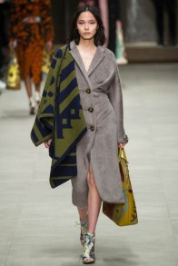 burberry-prorsum-fall-winter-2014-showt24