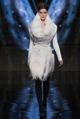 donna-karan-fall-winter-2014-show19