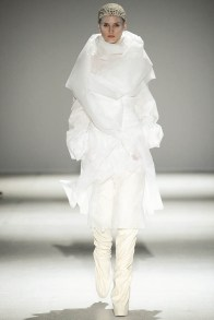 gareth-pugh-fall-winter-2014-show3