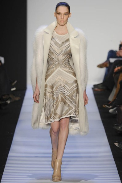herve-leger-fall--winter-2014-show25