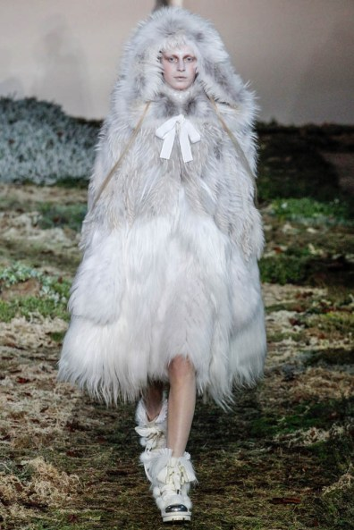 alexander-mcqueen-fall-winter-2014-show12
