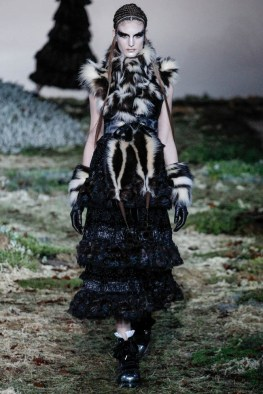 alexander-mcqueen-fall-winter-2014-show19