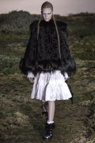 alexander-mcqueen-fall-winter-2014-show2