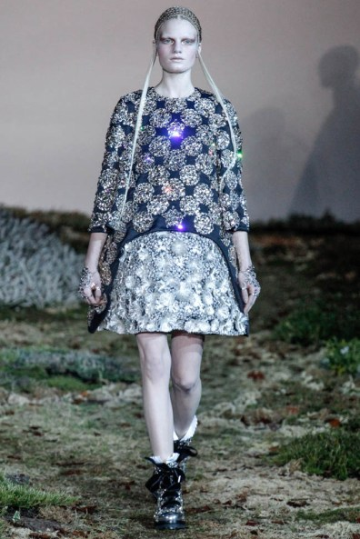 alexander-mcqueen-fall-winter-2014-show25