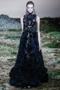 alexander-mcqueen-fall-winter-2014-show27