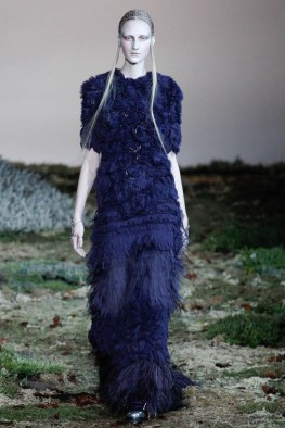 alexander-mcqueen-fall-winter-2014-show31