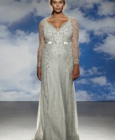 41c04d8bc53 Jenny Packham Features Plus Size Models in Her Spring 2015 Bridal Show