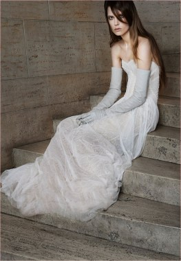 vera-wang-bridal-spring-2015-dresses5