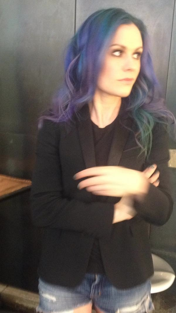 True Bloods Anna Paquin Dyes Her Hair Purple