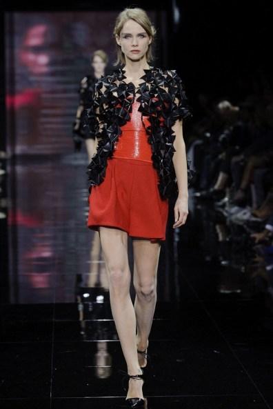 armani-prive-2014-fall-haute-couture-show38