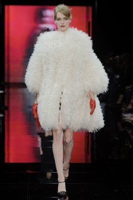 armani-prive-2014-fall-haute-couture-show45