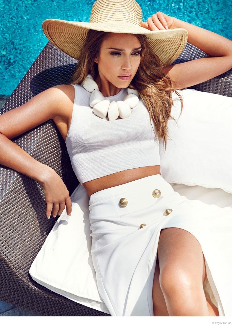 jessica alba cosmo photo shoot03 Jessica Alba Poses Poolside for Cosmopolitan Turkey by Ergin Turunc