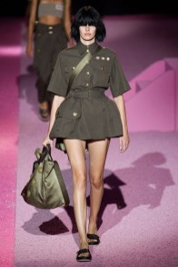 marc-jacobs-2015-spring-summer-runway-show10