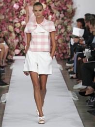 oscar-de-la-renta-2015-spring-summer-runway-show02