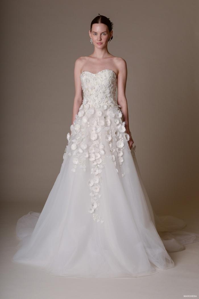 Outdoor Casual Wedding Dresses 37 Cute marchesa spring wedding dresses