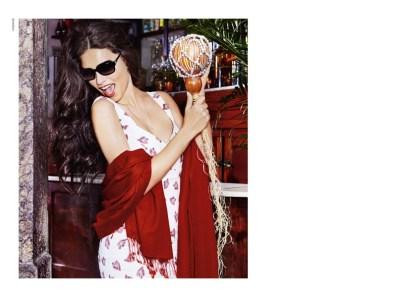 Adriana-Lima-Vogue-Eyewear-Fall-2015-Campaign06