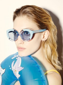 Karen-Walker-Eyewear-Resort-2015-Poolside10