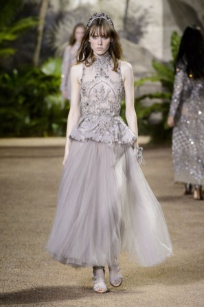 Elie saab spring 2016 haute couture for Haute couture members