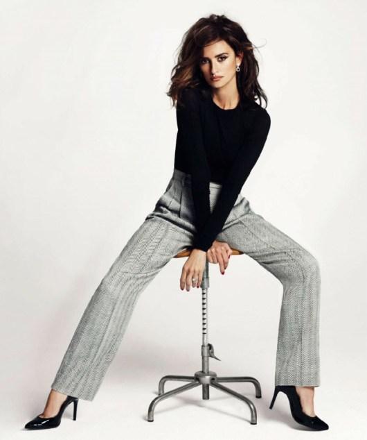 Penelope-Cruz-Harpers-Bazaar-Spain-February-2016-Cover-Photoshoot05