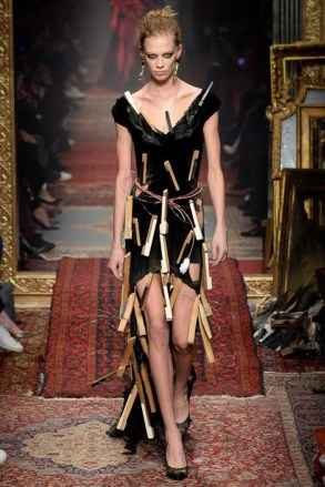 Moschino-2016-Fall-Winter-Runway58