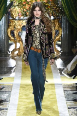 Roberto-Cavalli-2016-Fall-Winter-Runway05