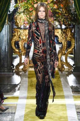 Roberto-Cavalli-2016-Fall-Winter-Runway17
