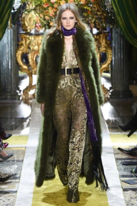 Roberto-Cavalli-2016-Fall-Winter-Runway50