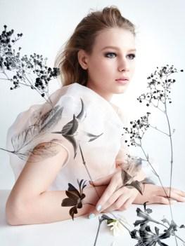 Sofia-Mechetner-Dior-Magazine-Spring-2016-Beauty03