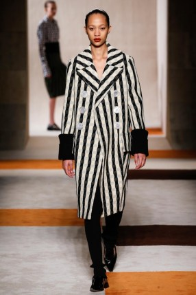Victoria-Beckham-2016-Fall-Winter-Runway31