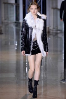 Anthony-Vaccarello-2016-Fall-Winter-Runway32