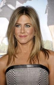 Jennifer-Aniston-Light-Brown-Blonde-Highlights-Medium-Length-Hair