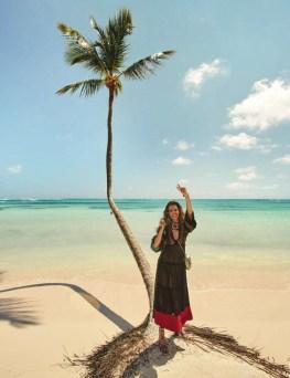 Louise-Pedersen-Beach-Style-ELLE-Spain07