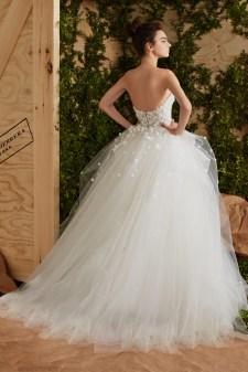 3efd8e660a9c Carolina Herrera Bridal 2017 Spring Wedding Dresses | Fashion Gone Rogue