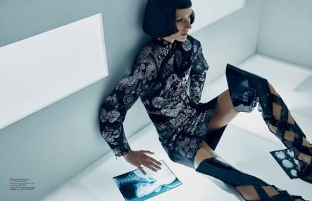 Futuristic-Fashion-Vogue-Ukraine-Editorial11