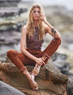 Stella-Maxwell-Beach-Fashion-ELLE-France-Editorial-2016-12
