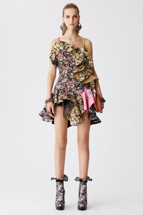 Alexander-McQueen-Resort-2017-Collection16