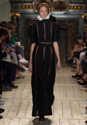 Valentino-Haute-Couture-2016-Fall-Runway-Show09
