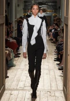 Valentino-Haute-Couture-2016-Fall-Runway-Show11