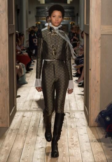 Valentino-Haute-Couture-2016-Fall-Runway-Show30
