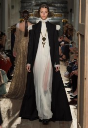 Valentino-Haute-Couture-2016-Fall-Runway-Show44