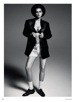 Irina-Shayk-Vogue-Russia-March-2017-Cover-Photoshoot06
