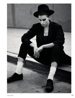Irina-Shayk-Vogue-Russia-March-2017-Cover-Photoshoot11